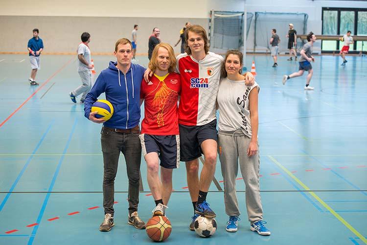 Sebastian Banse, David Scholz, Ingo Gerhardt und Micòl Feuchter sind vier von acht Leitern des Projekts Refugees Welcome in Sports an der Uni Oldenburg.