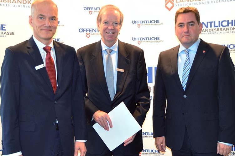 Freuen sich über die guten Ergebnisse: Der Vorstand der Öffentlichen Versicherungen Oldenburg Dr. Ulrich Knemeyer, Franz Thole und Jürgen Müllender.