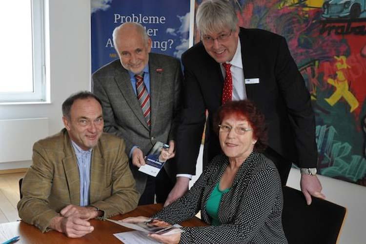 Stellten die Ausbildungsinitiative VerA in Oldenburg vor: Dr. Walter Fischer, Wolfgang Jöhnk, Ludger Wester und Siegrid Schwengber.