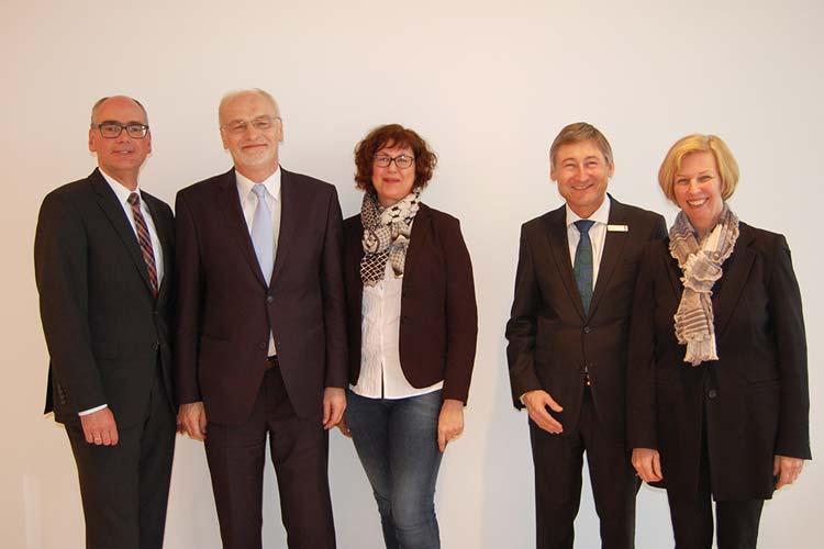 Der Vorstand der VHS Oldenburg: Andreas Gögel, Franz-Josef Sickelmann, Silke Meyn, Udo Unger und Martina Noske.