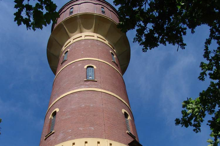 Der Wasserturm in Oldenburg-Donnerschwee gleicht Schwankungen im Wasserverbrauch aus.