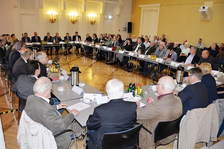 Das öffentliche Informationsgespräch zur Bahnumfahrung fand im ehemaligen Landtagsgebäude in Oldenburg statt.