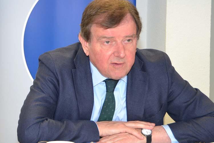 Eine mittelstandsfreundliche Reform der Erbschaftsteuer forderte der Präsident der Oldenburgischen Industrie- und Handelskammer, Gert Stuke, anlässlich der IHK-Jahresbilanz. Die Industriebetriebe haben 2014 rund 700 neue Arbeitsplätze geschaffen.