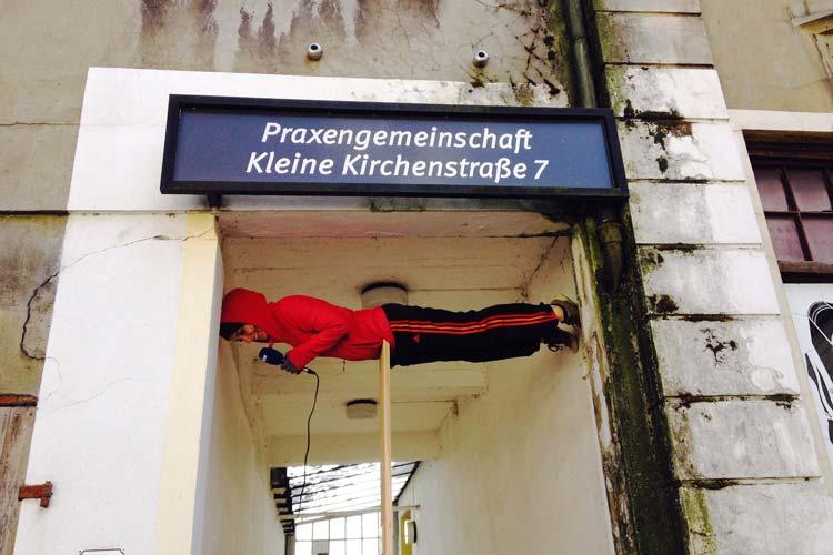 Die Tanzszene und deren Anhänger schauen ab heute für die nächsten zehn Tage nach Oldenburg. Die 12. Internationalen Tanztage am Oldenburgischen Staatstheater starten mit zwei Gastspielen aus Österreich und New York und einer Eröffnungsparty um 22 Uhr im Glashaus.