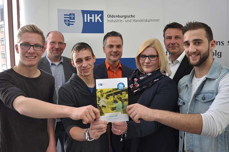 Vier Auszubildende gaben am Tag der Logistik in Oldenburg einen Einblick in ihre zukunftsträchtigen Berufe in der Logistikbranche.