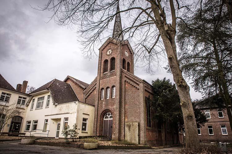 Erstmals findet das Oldenburger Freifeld Festival auf dem Gelände des Klosters Blankenburg statt.