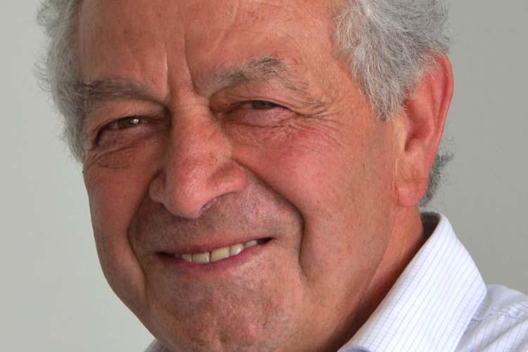 Erst 17 Jahre war Chrisanthos Kesoglou als er 1961 aus Saloniki nach Ganderkesee kam. Er bekam eine Ausbildungsstelle in einer Uhrenfabrik.