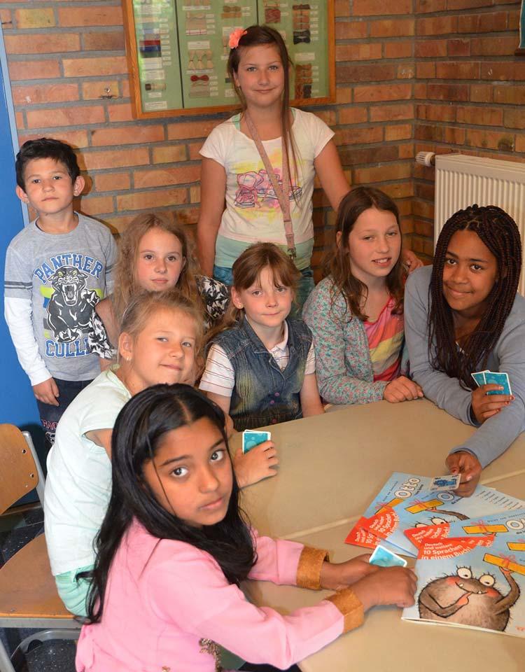 Die zehnjährige Chayenne aus Oldenburg hat sich Gedanken über das Leben von Flüchtlingskindern gemacht. Schnell war klar, dass sie dazu vor allem die deutsche Sprache lernen müssen. Mit anderen Mädchen bietet sie eine Willkommenskultur auf Kinderart.