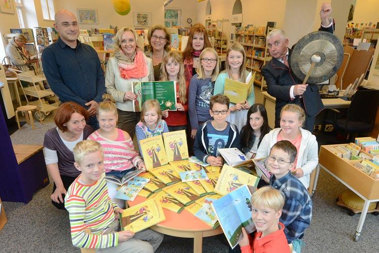 Oldenburger Grundschulkinder präsentieren ihr klangvolles Buch anlässlich der Kibum am 7. November.