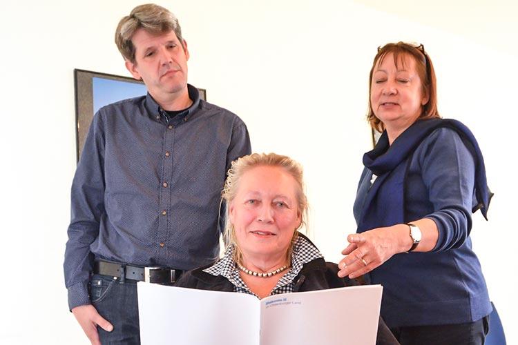 Hauke Holm, Barbara Driskell und Doris Kirstein stellten den Jahresbericht der Fachstelle Sucht in Oldenburg vor.