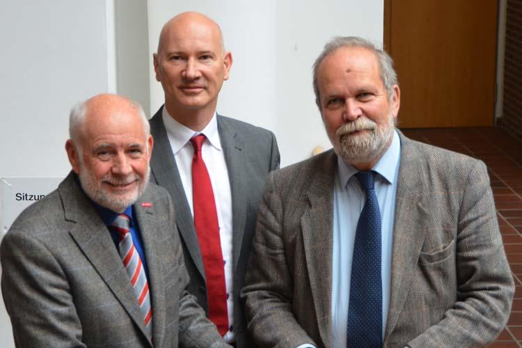 Sind zufrieden mit dem Ausbildungsstellenmarkt in Oldenburg: Wolfgang Jöhnk, Dr. Thomas Hildebrandt und Ullrich Thies.
