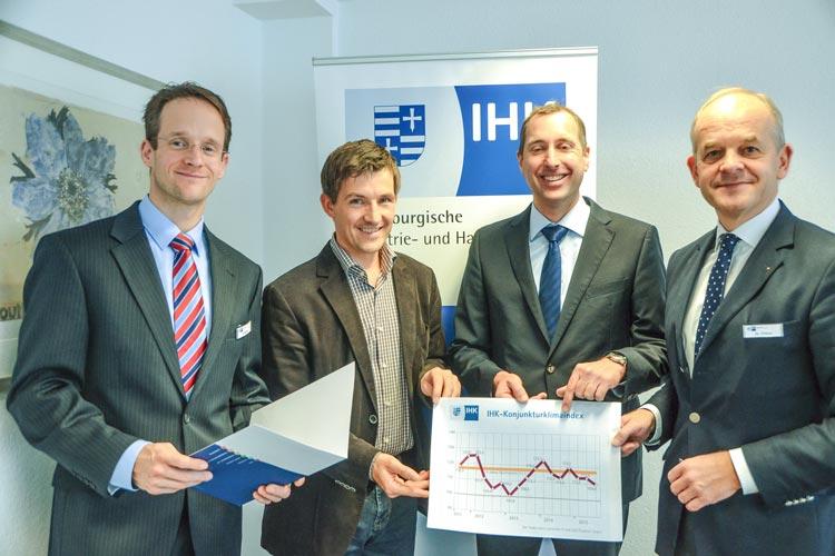 Björn Schaeper, Jochen Müller, Jan Mohrmann und Joachim Peters stellten heute die IHK-Konjunkturumfrage vor.