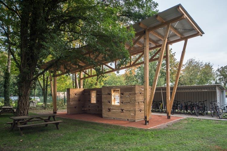 Der Prototyp für eine Schule in Uganda auf dem Campus der Jade Hochschule in Oldenburg.