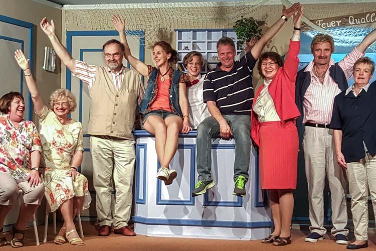 Mit der Komödie Bloots keen Püttjerkraam von Wolfgang Binder startete die Truppe des Ohmster Plattdütsche Vereen in die Theatersaison.