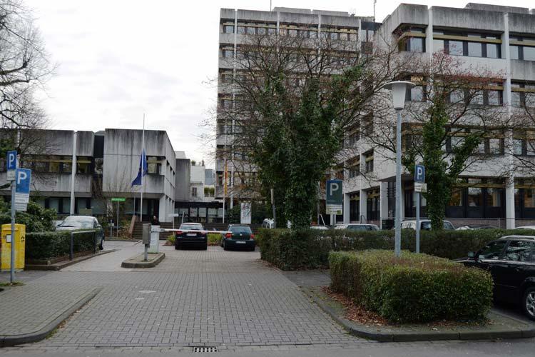Das Gebäude des Oldenburger Finanzamtes muss abgerissen werden.