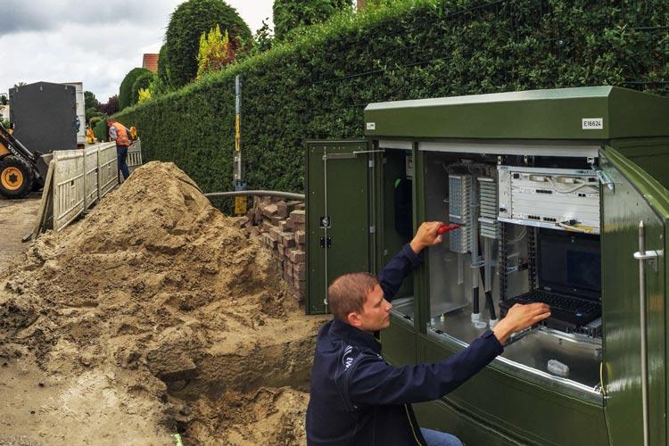 Rund drei Millionen Euro hat EWE TEL allein in den Breitbandausbau in Oldenburg in 2015 investiert. Über 30.000 Haushalte können hier schneller surfen.