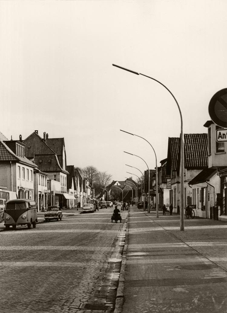 Die Hauptstraße in Eversten um 1960.
