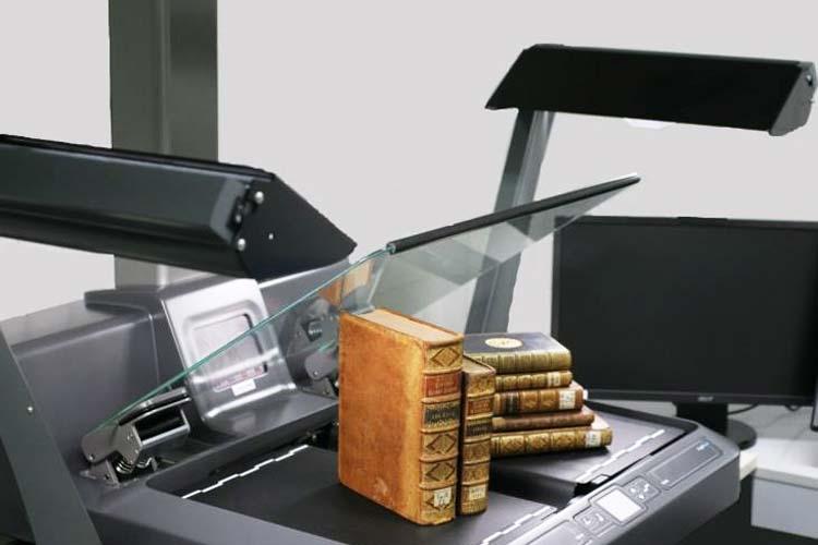 Scanner für historische Drucke in der Digitalisierungswerksatt der Landesbibliothek Oldenburg.