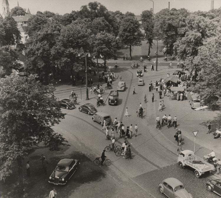 Der Pferdemarkt um 1955.