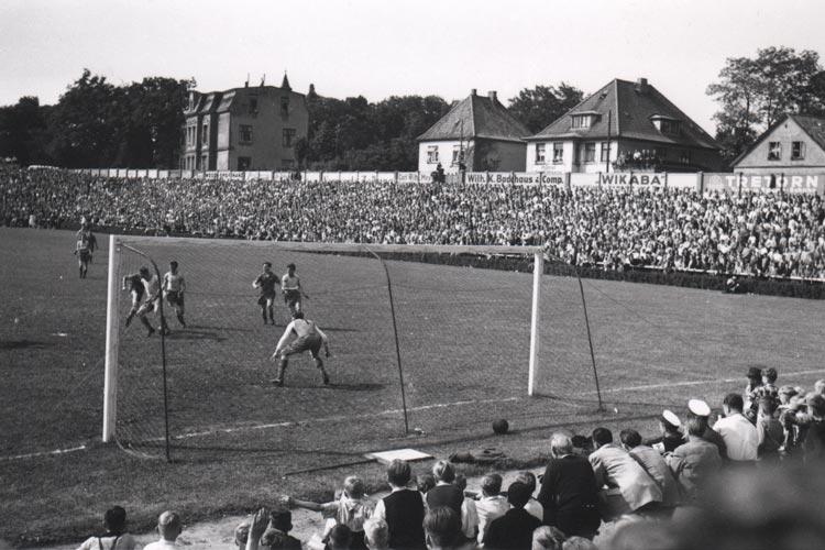 VfB Oldenburg gegen Victoria Hamburg 1952.
