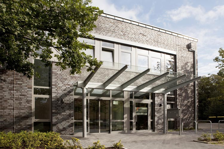 Das Hanse Institut Oldenburg eröffnet eine OTA-Schule für den theoretischen Unterricht. Die Praxis lernen die Auszubildenden in Oldenburger Krankenhäusern.