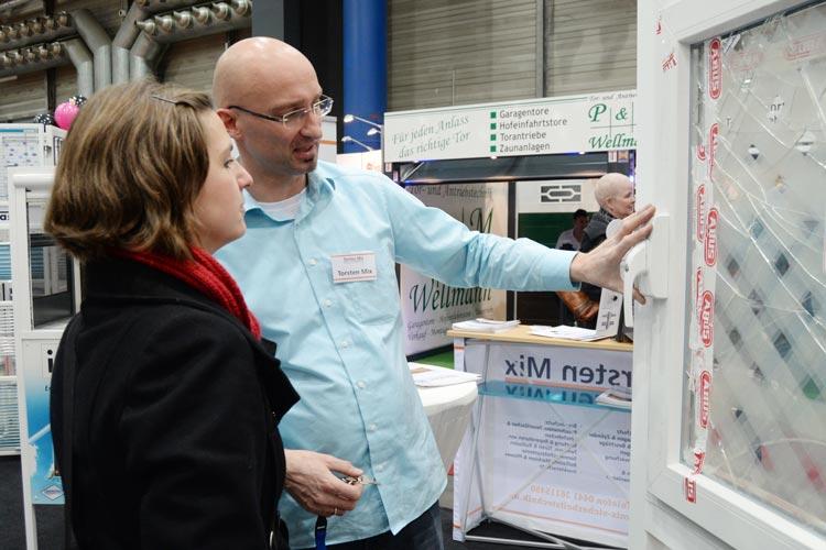 Persönliche Beratung, Workshops und zahlreiche Vorträge garantieren auf der NordHAUS-Messe in der Oldenburger Weser-Ems Halle umfassende Informationen zu den verschiedensten Themen rund ums Eigenheim.