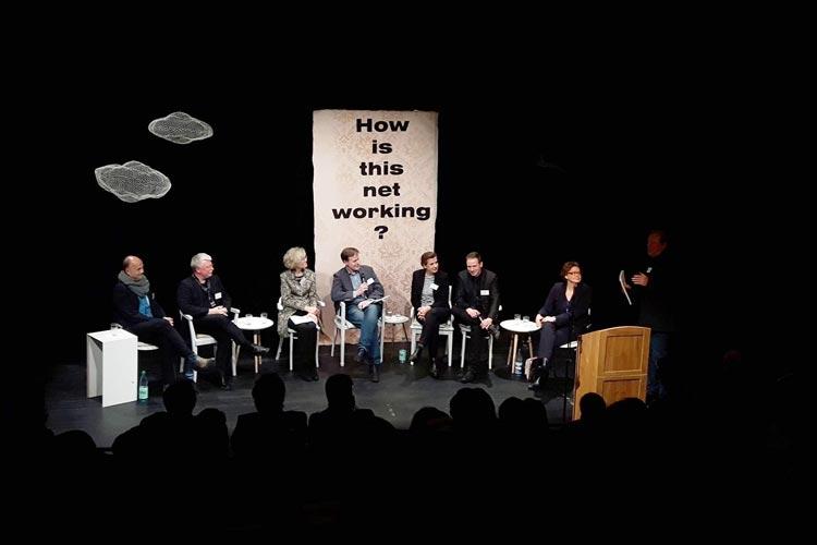 Die Stadt Oldenburg und das Land Niedersachsen hatten zu dem Werkstattgespräch zum Thema Kreativ trifft Wirtschaft in die Oldenburger Kulturetage eingeladen.