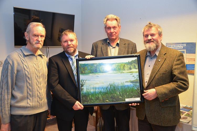 Hubert Fenske, Rüdiger Wohlers, Remmer Akkermann und Dr. Thomas Clemens fürchten um den Bestand der Ahlhorner Fischteiche.