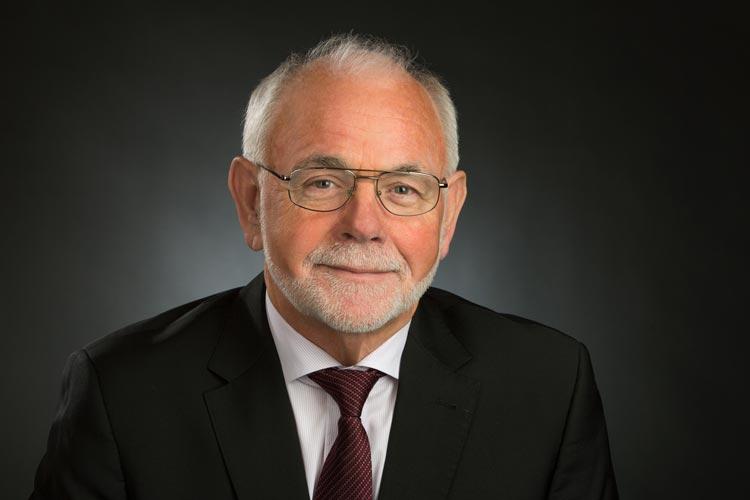Dr. Harald Groth, Vorsitzender des AWO Bezirksverbandes Weser-Ems, fordert einen Integrationsfonds für Flüchtlingsarbeit.