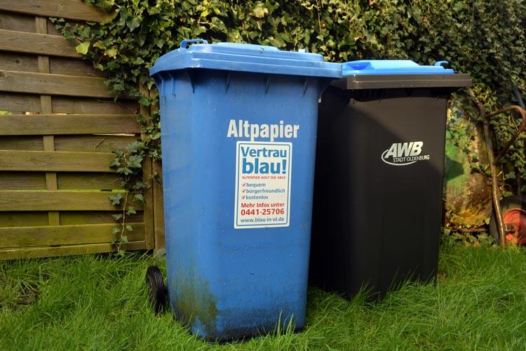 Die Stadt Oldenburg hat die Altpapiersammlung eingestellt. Dennoch werden Tonnen an den städtischen Leerungsterminen an die Straße gestellt.