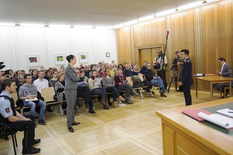 Im Saal des Oberlandesgerichtes Oldenburg gab es eine öffentliche Probe zu Terror vom Oldenburgischen Staatstheater.