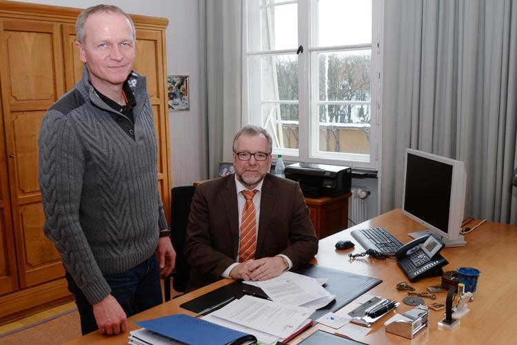 Polizeioberrat Thomas Kues und Polizeipräsident Johann Kühme stellten die Fallzahlen vor, die im Zusammenhang mit Flüchtlingen stehen.
