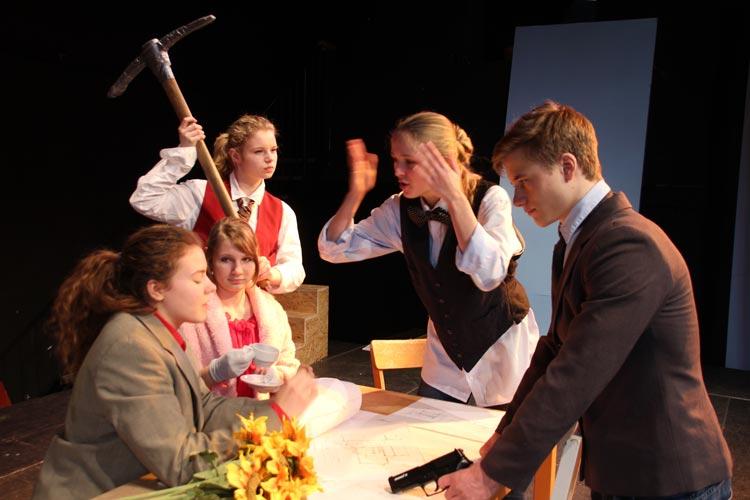 Nach den Proben von Republik Vineta präsentierten die Schüler der Freien Waldorfschule Oldenburg das Stück.