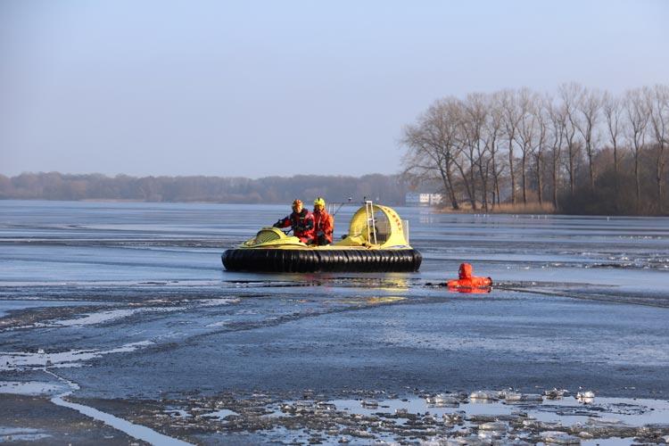 Die Eisübungen fanden auf dem Zwischenahner Meer in der Rostruper Bucht am Westufer bereits statt.