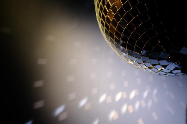 Wegen der Osterfeiertage sind öffentliche Tanzveranstaltungen von Gründonnerstag bis Samstag in Oldenburg verboten.