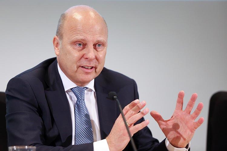 OLB-Vorstandsvorsitzender Patrick Tessmann stellte heute die Bilanz 2015 vor.