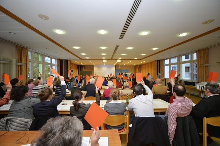 Der CDU-Wahlparteitag ohne Kampfkandidaturen, aber mit neuen Namen und etlichen Studierenden, fand gestern im Bundestechnologiezentrum für Elektro- und Informationstechnik (BFE) statt.