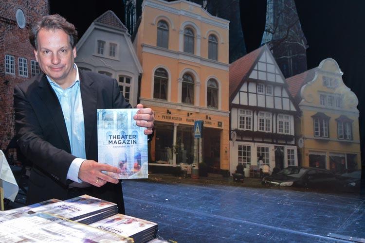 Generlaintendant Christian Firmbach stellt den Spielplan 2016/17 des Oldenburgischen Staatstheaters vor.