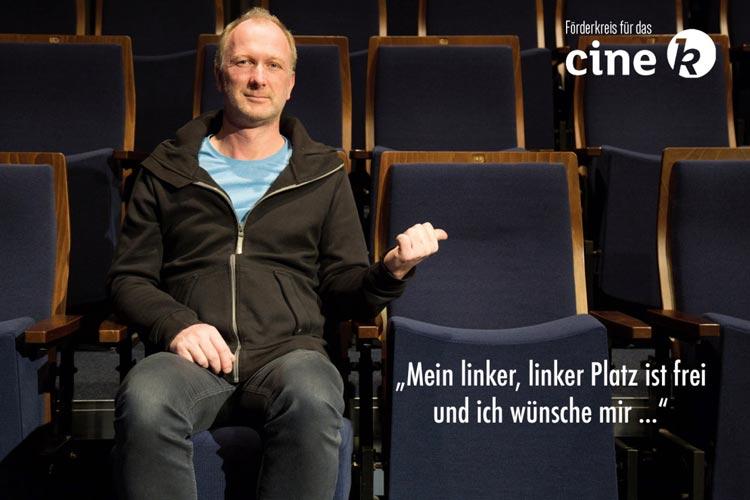 Die Vorstandmitglieder des Förderkreises für das Cine k (hier Volker Schulze) werben mit einer Postkartenkampagne um mehr Mitglieder.