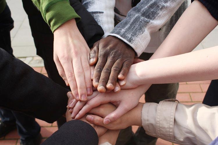 Die Flüchtlingshilfe Oldenburg bietet in Kooperation mit dem Verein IBIS eine Basisqualifizierung für ehrenamtliche Integrationslotsen an.