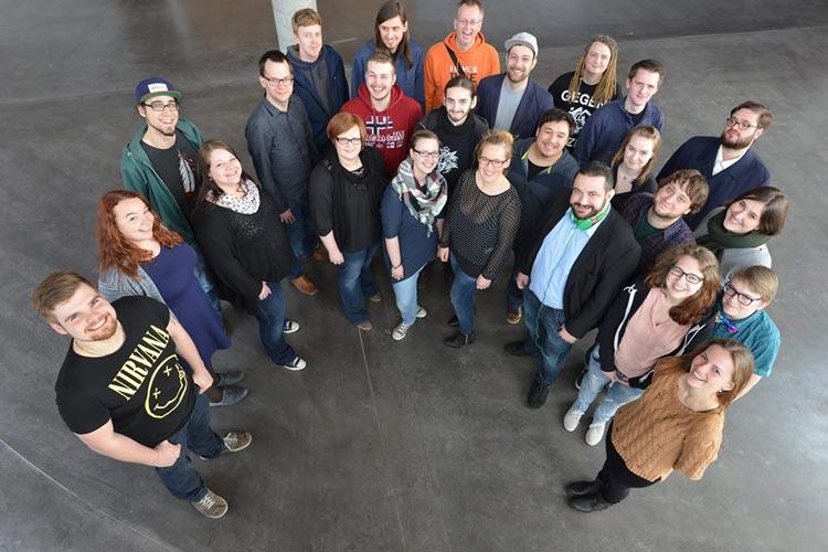Der neue AStA setzt sich in Oldenburg aus der Juso Hochschulgruppe, der Offenen Grünen Hochschulgruppe und der Uni Divers – GUM zusammen.