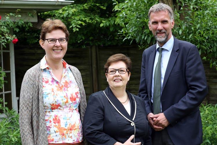 Oberkirchenrätin Dr. Susanne Teichmanis, Synodenpräsidentin Sabine Blütchen und Bischof Jan Janssen informierten über die Synode.
