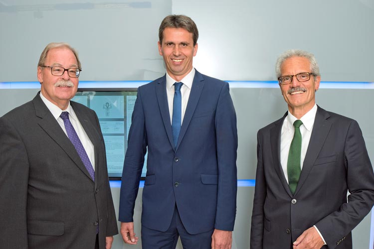 Die Verbandsdirektoren Georg Litmathe und Johannes Freundlieb mit Abteilungsleiter Harald Lesch (von links) zogen Bilanz für 2016.