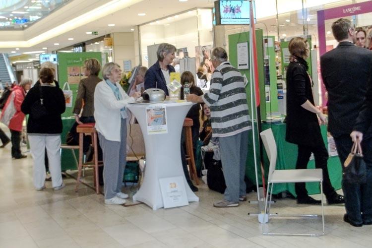 Am Selbsthilfetag in Oldenburg Wechloy stellen sich zahlreiche Gruppen vor.