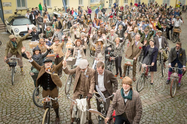Der Oldenburger Tweed Run startet am 18. Mai zum vierten Mal.