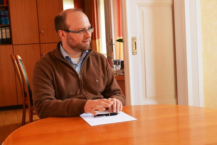 Rechtsanwalt Wolfgang Seppel berät in Oldenburg zum Thema Patientenverfügung.