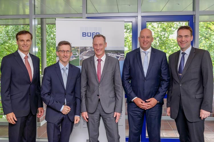 Die Geschäftsführer Felix Thalmann (Vorstand), Ralf Rampe, Thomas Siemer, Ronald Ijzer und Dirk Punke blicken optimistisch in die BÜFA-Zukunft.