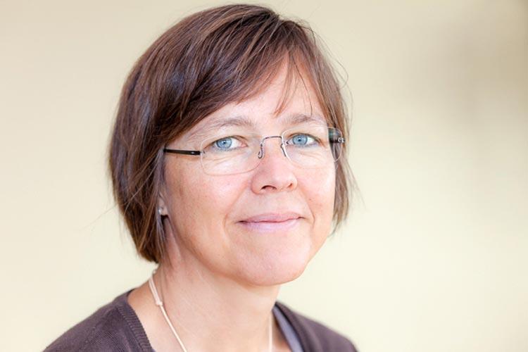 Corinna Sibold referierte in Oldenburg zum Thema Ergotherapie für Demenzkranke.