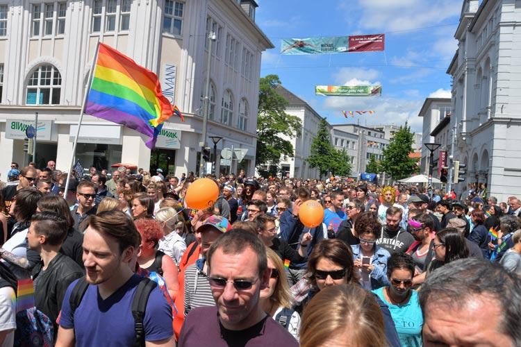Mehr denn je Menschen haben am 22. CSD Nordwest in Oldenburg teilgenommen.