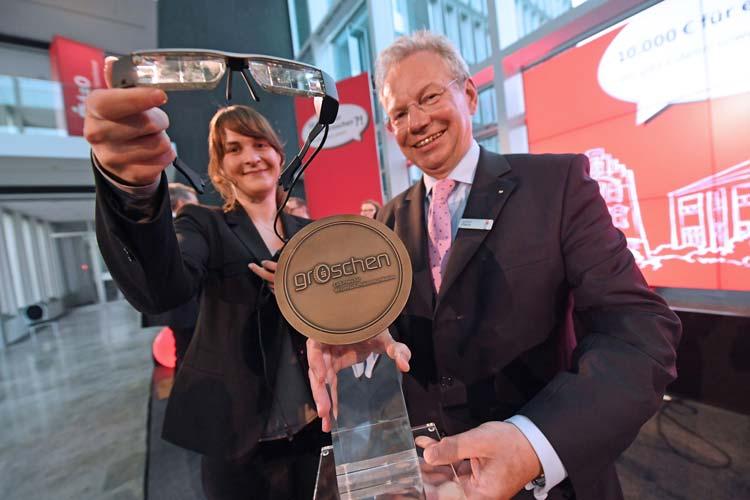 Die LzO hat den Preis für verständliche Wissenschaftskommunikation groschen 2016 an Marie-Christin Ostendorp vergeben.